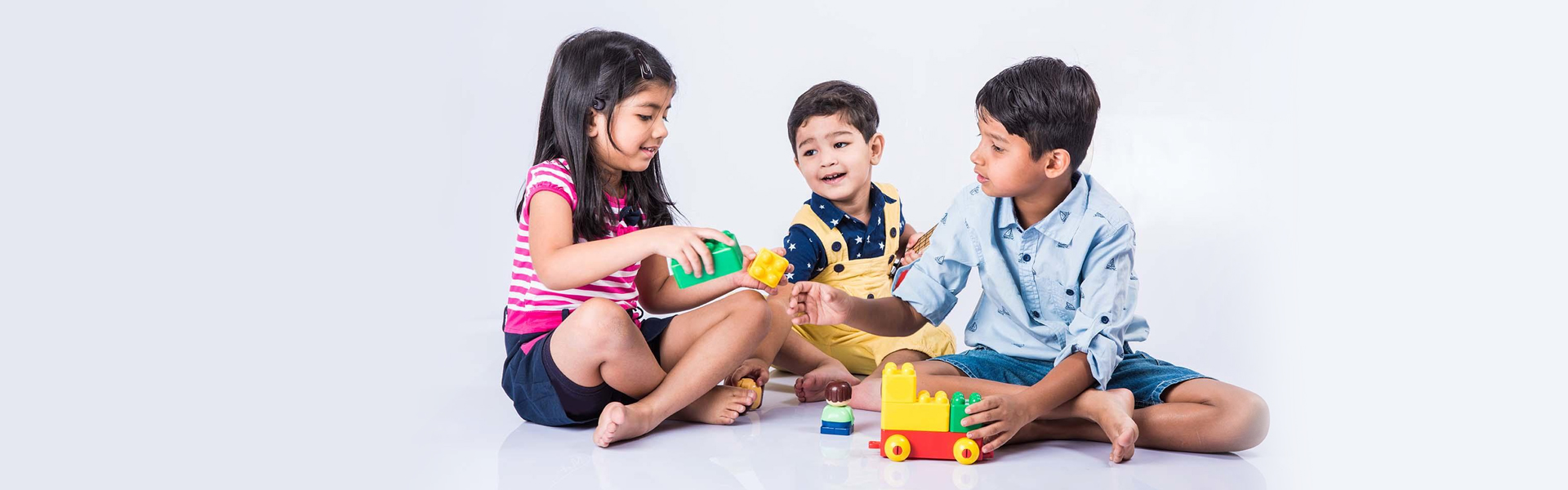 8 Top Benefits of Taking Your Child In Infant Daycares